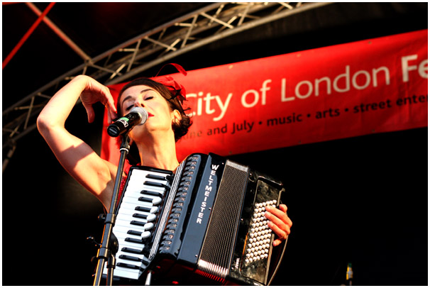 Puppini Sisters, Guildhall Yard, City of London Festival 2008